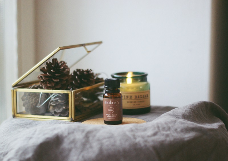 olejek z drzewa herbacianego na skórę
